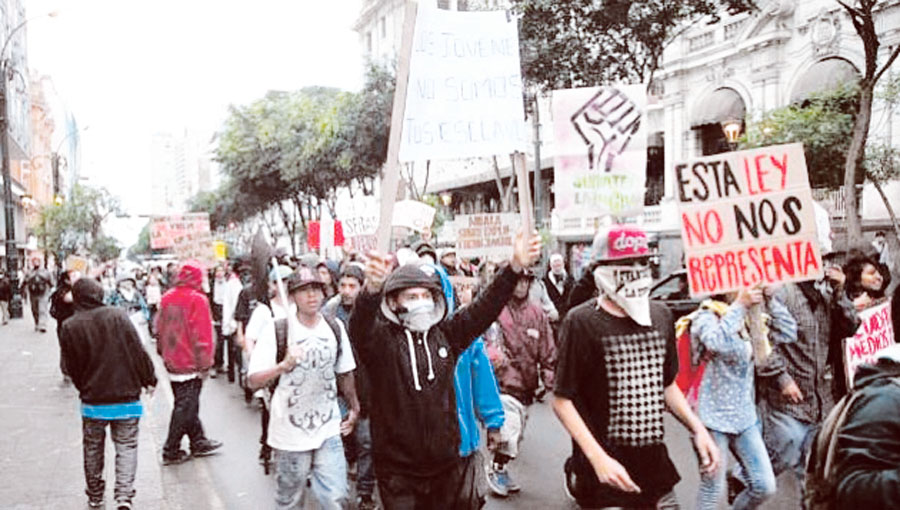 Marcha contra Nueva modalidad formativa estudiantil