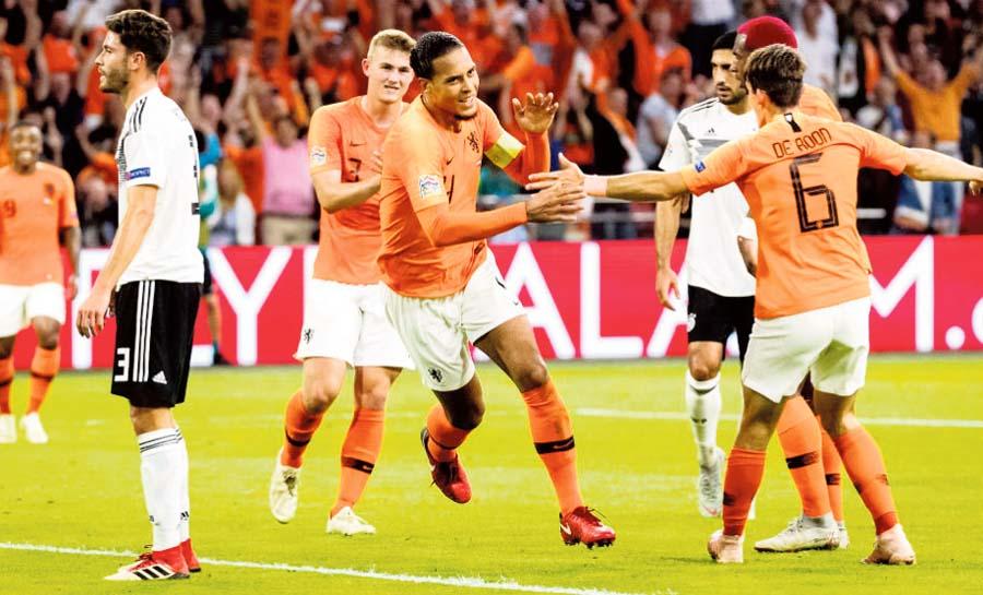 Alemania contra Holanda en fase previa a la 'Euro'
