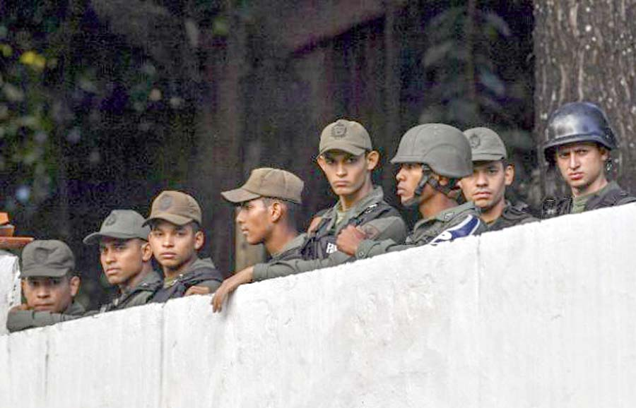 Militares sublevados contra Nicolas Maduro