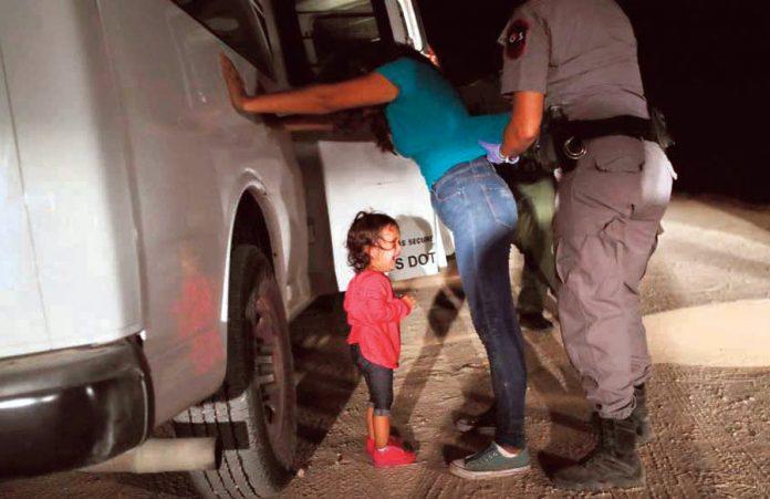 En EE.UU. dan norma para detener a niños indocumentados