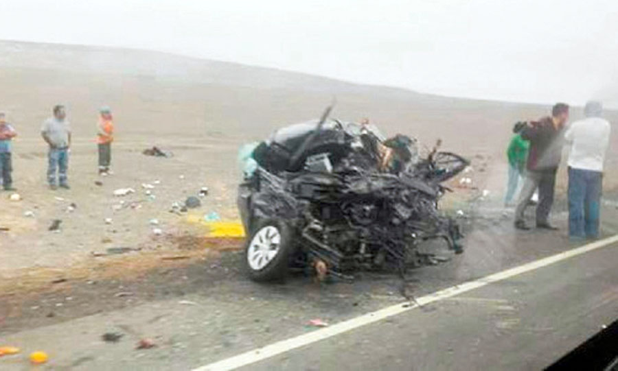 Familia muere en accidente automovilistico