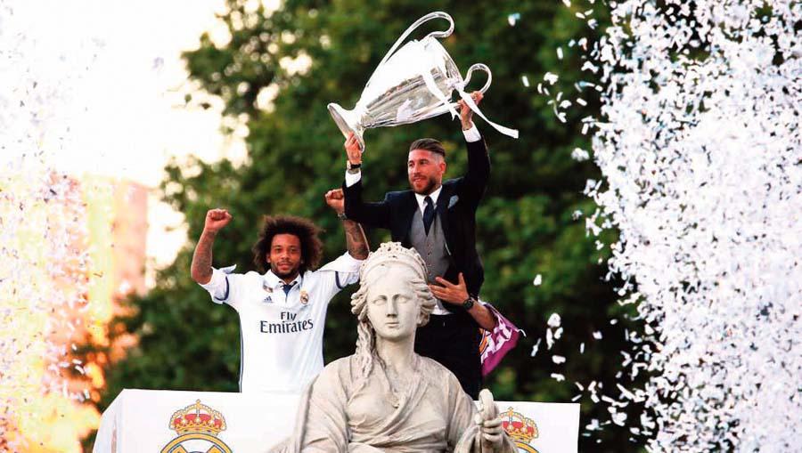 Real Madrid celebra con su gente tras ganar la Liga de Campeones