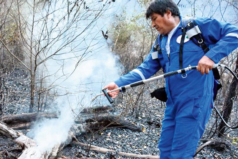 Evo de bombero contra los incendios - El Chino
