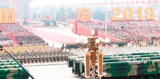 China exhibe armamento militar al mundo