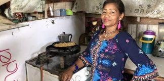 Manuela (54), colombiana viviendo en Venezuela.
