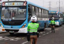 Buses de transporte.