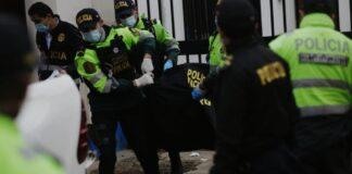 Tres supuestos policías acribillan a vendedor de frutas