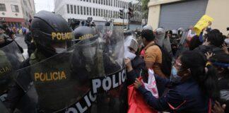 Caos en Centro de Lima por vacancia de Vizcarra