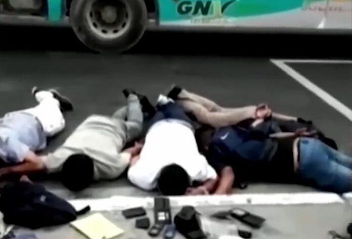 Padre e hijo con Covid-19 eran el terror de pasajeros de buses