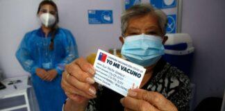 Chile se convierte en el país que más rápido vacuna en el mundo