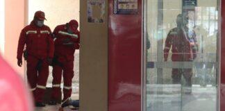 Al menos cinco estudiantes murieron tras caer de un cuarto piso