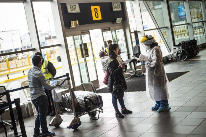 peruanos viajan a EE.UU para vacunarse