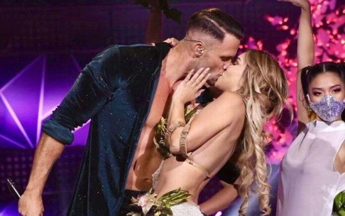 Fabio roba besó a la Manzanal y llueven críticas