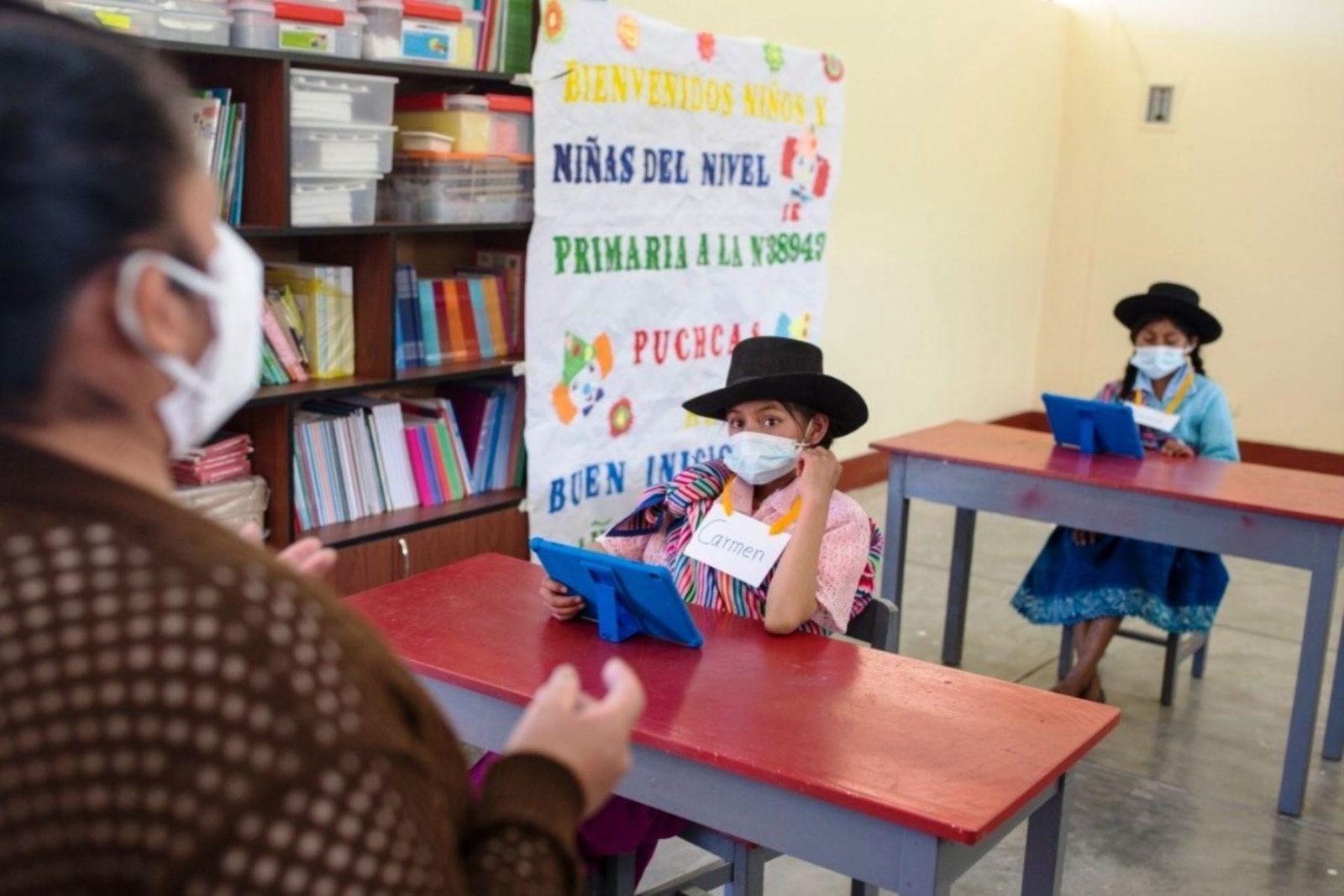 Ministro de Educación busca incrementar sueldo de los docentes