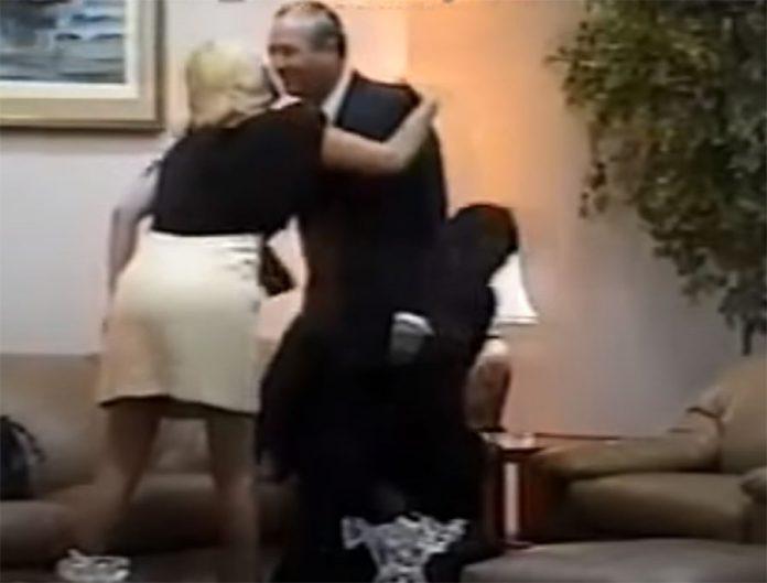 Gisela Valcarcel en vídeo donde aparece junto al exasesor presidencial Vladimiro Montesinos y el exbroadcaster televisivo José Francisco Crousillat