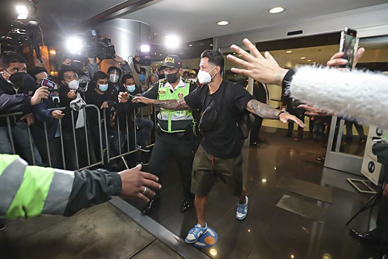 ¡Ya está aquí! Gianluca Lapadula llegó a Lima para sumarse a la Selección Peruana