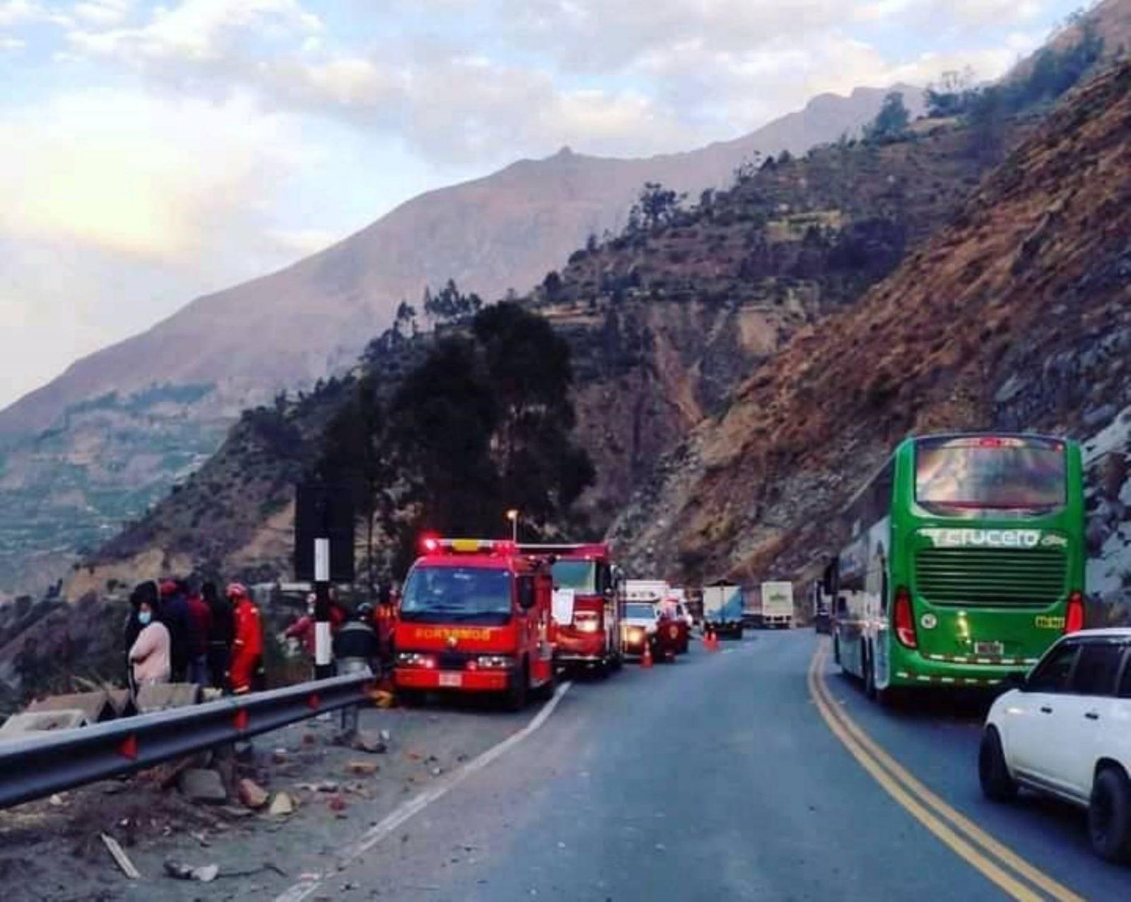 Número de fallecidos en accidente de la carretera central se eleva a 32
