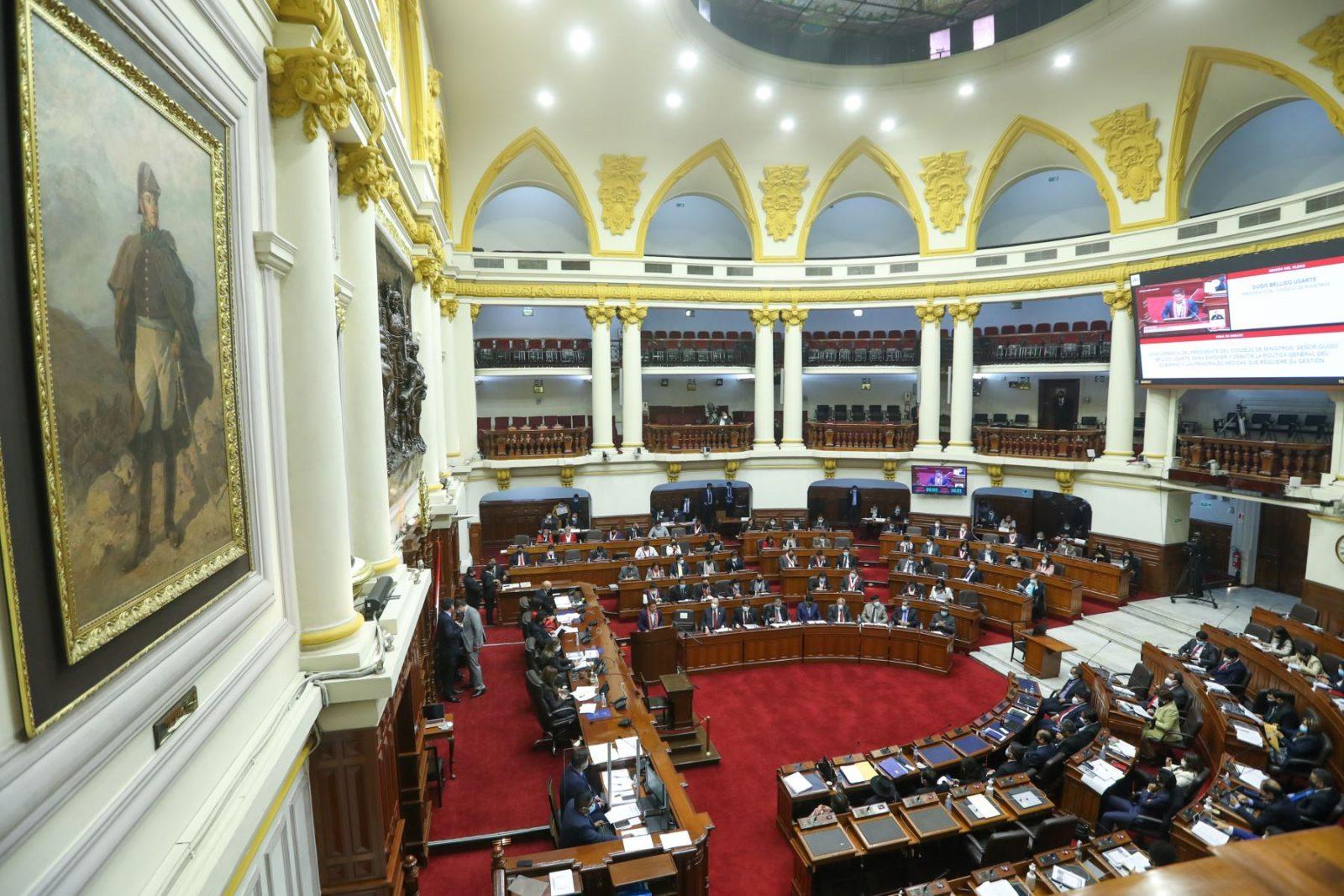 Congreso pospone debate sobre voto de confianza hasta mañana