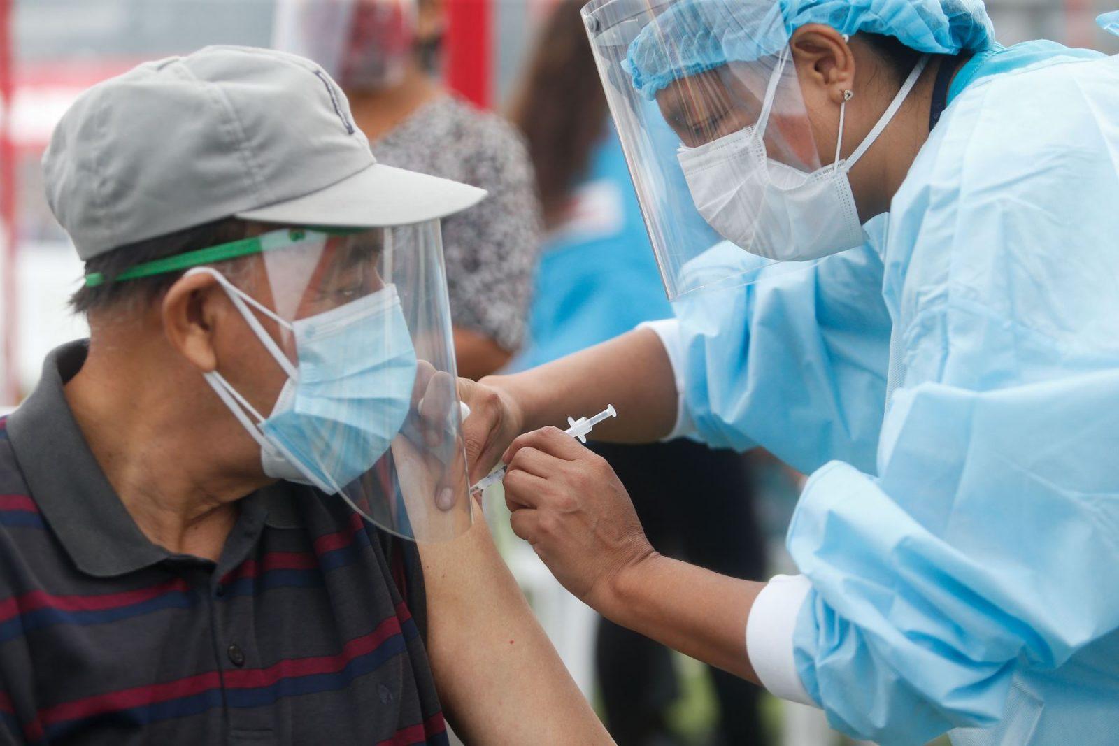 La tasa de vacunación en América Latina avanza cada vez más rápido