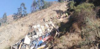 Bus cae a un abismo en el distrito de Matucana, provincia limeña de Huarochirí