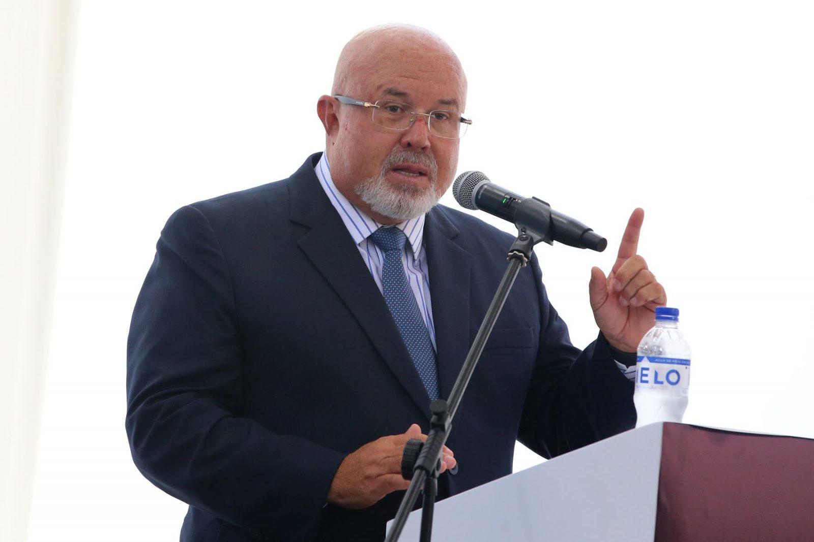 """Carlos Bruce """"Castillo es un líder ausente"""""""
