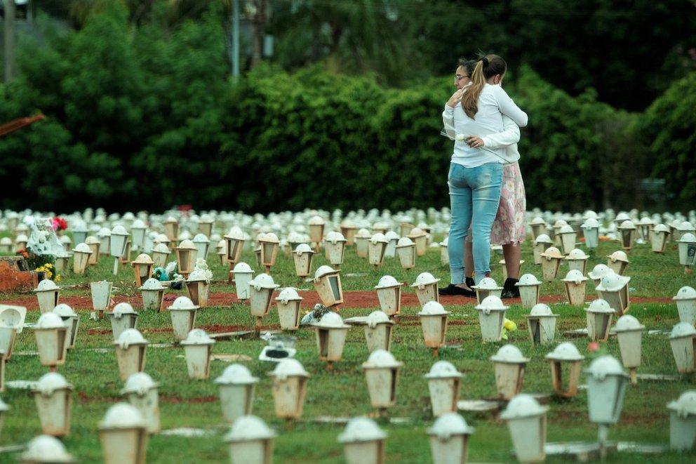 Muertes por la pandemia en todo el mundo superarían los 15 millones