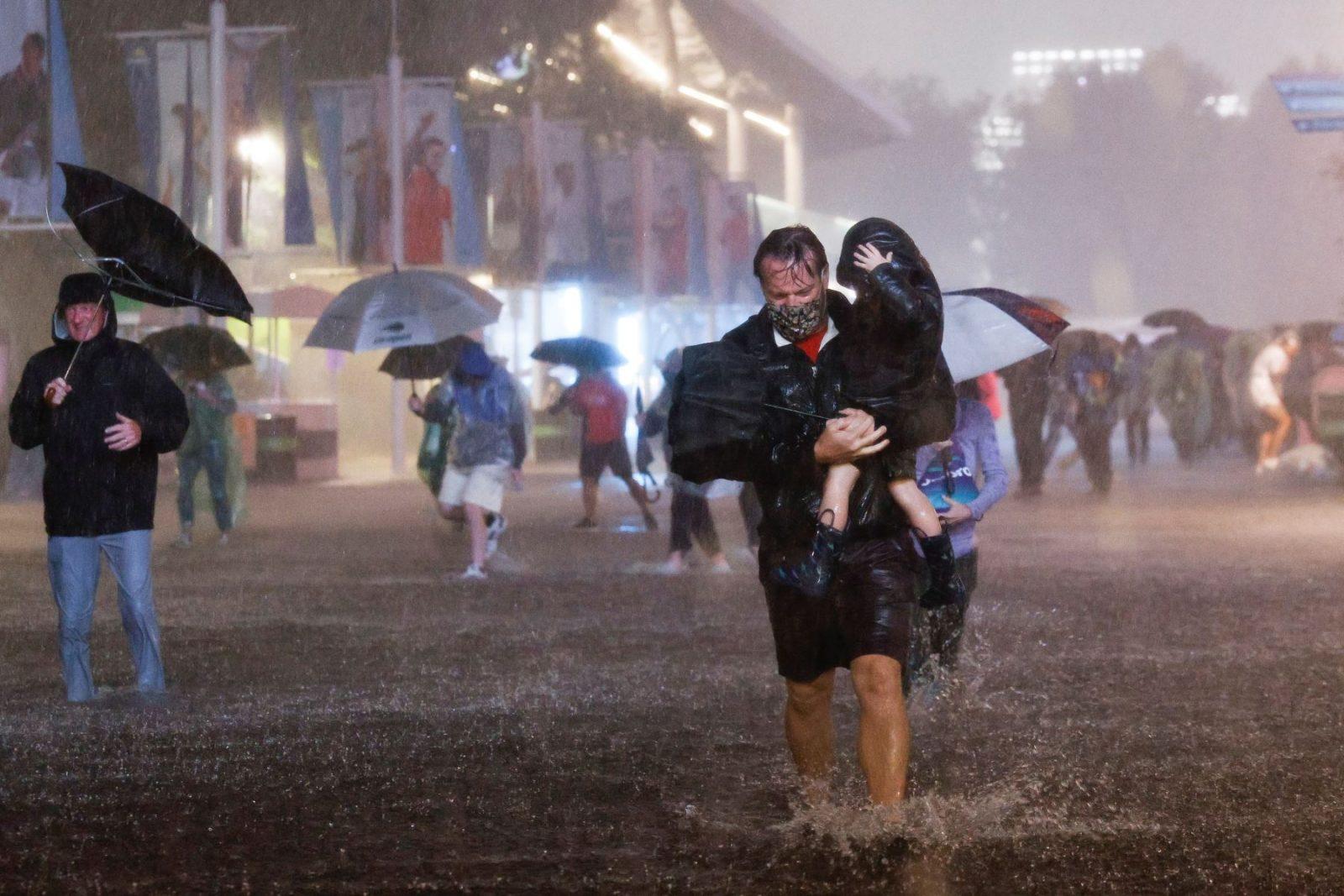 Brutales inundaciones dejan al menos 9 muertos en Nueva York y Nueva Jersey