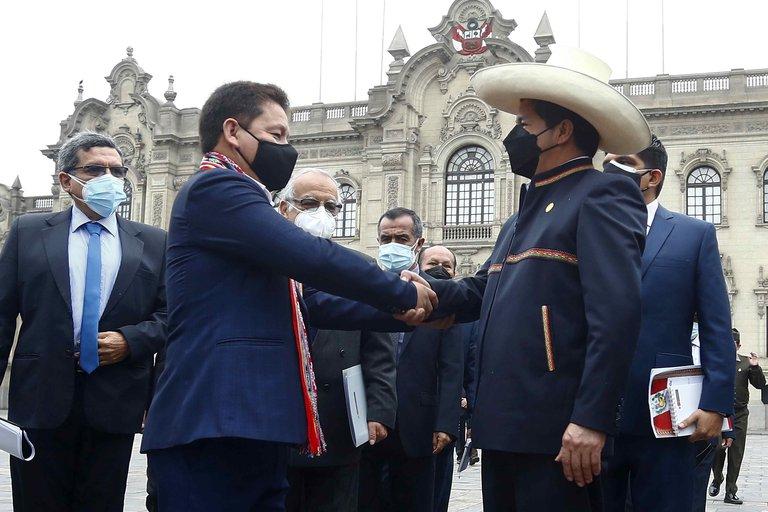 Guido Bellido desafía a Pedro Castillo con la nueva Constitución