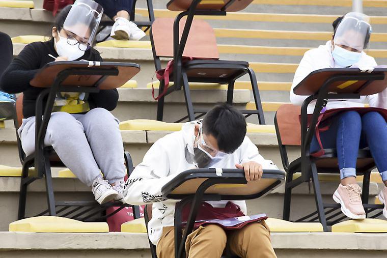 Universitarios tienen que estar vacunados para retornar a las aulas